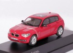 BMW 1 Series (Karmesin Red)