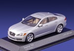Jaguar XF Sedan (silver)