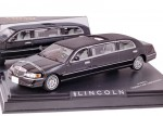 Lincoln Town Car Limousine 2000 (black)