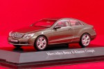 Mercedes-Benz E-Klasse Coupe (beige)