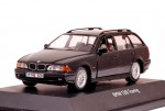 BMW 528i Touring (black)